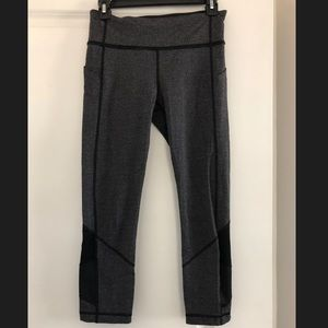 Lululemon cropped leggings with pockets